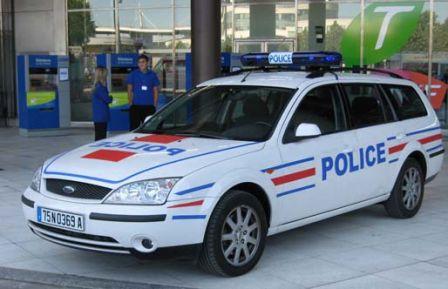 la police va rouler en ford et en volkswagen blog auto carid al. Black Bedroom Furniture Sets. Home Design Ideas