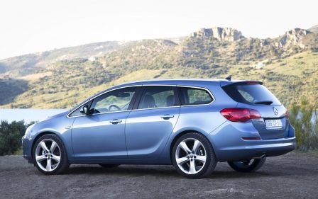 opel-astra-sports-tourer-2011-achat-carideal-mandataire-1.jpg