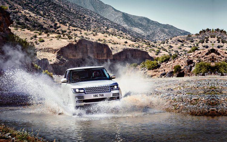 Le Range Rover 2013 est un outil tout terrain incontournable pour les dieux du rock et les grimpeurs.
