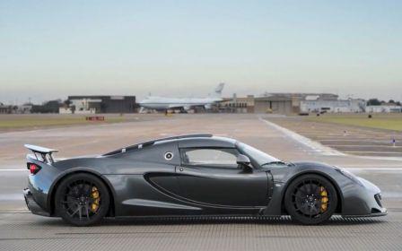 La voiture la plus rapide du monde Hennessey Venom GT 425 km/h