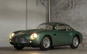 Voiture de collection Aston Martin DB4