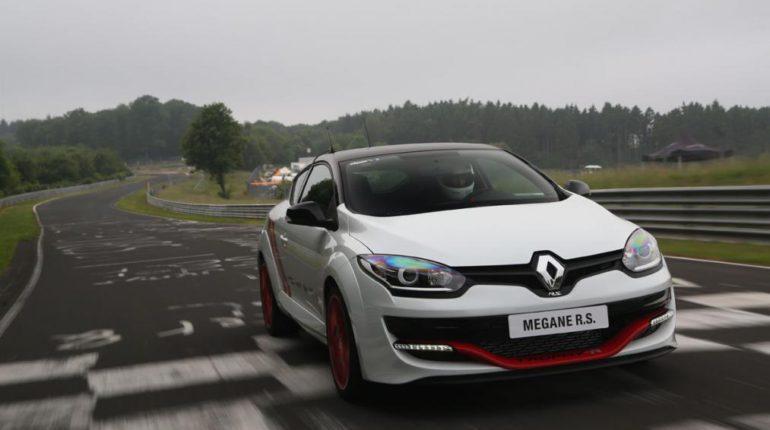 Renault Megane RS Trophy bay le record du Nurburgring