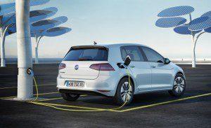 La Volkswagen e-Golf, électrique 115 ch 36800 € .. trop cher...