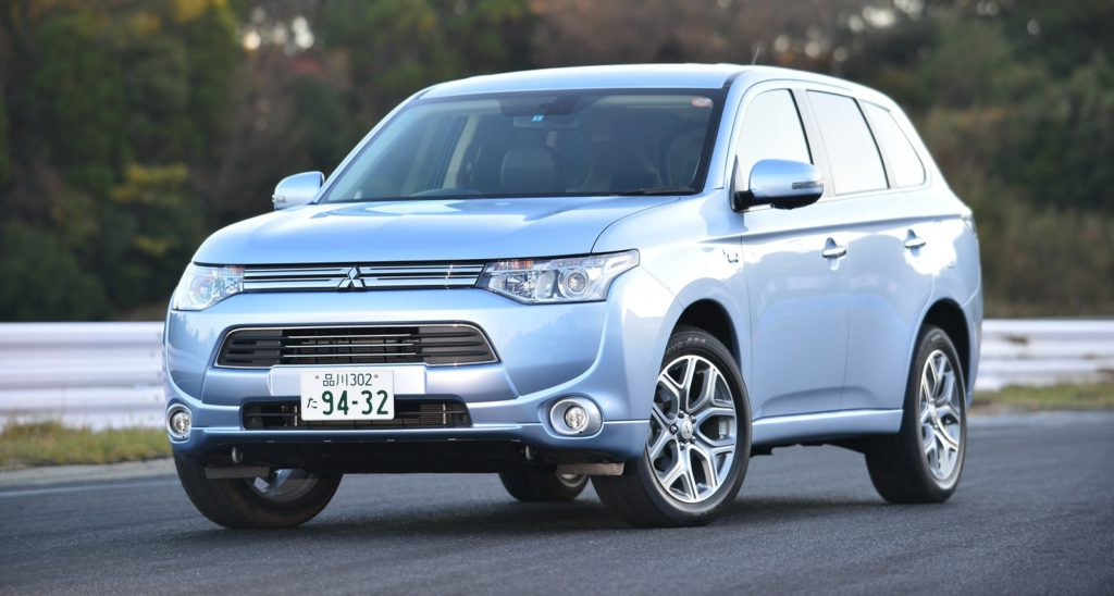 le mitsubishi outlander phev hybride rechargeable est invendable essai blog auto carid al. Black Bedroom Furniture Sets. Home Design Ideas