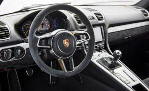 Volant Porsche Cayman GT4