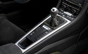 Int Porsche Cayman GT4