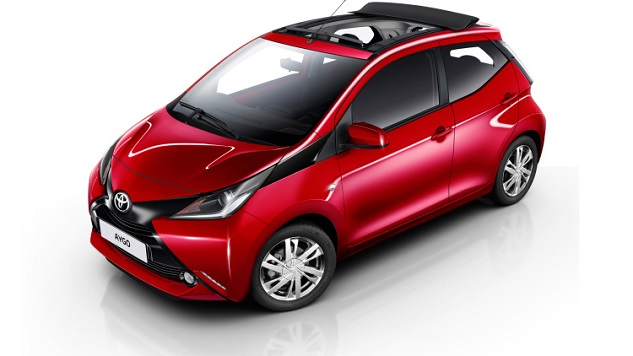 toyota aygo x wave avec un toit ouvrant blog auto carid al. Black Bedroom Furniture Sets. Home Design Ideas