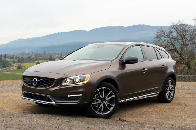 volvo v60 cross country 2015 premier essai blog auto carid al. Black Bedroom Furniture Sets. Home Design Ideas