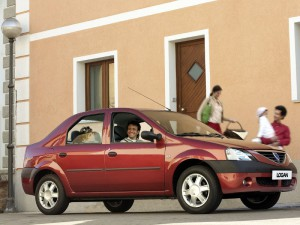 Halloween automobile Dacia Logan 2004