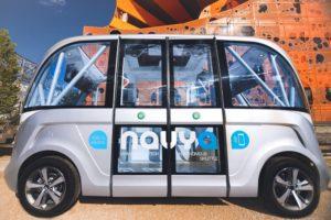 Navya Arma : des portes latérales s'ouvrent à l'extérieur pour l'aisser entrer et sortir les passagers
