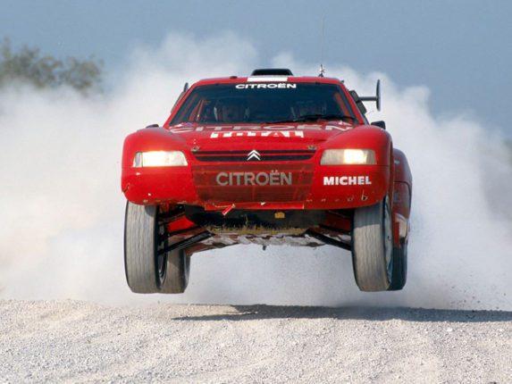 Hubert Auriol et sa Citroen Zx au Rallye Dakar