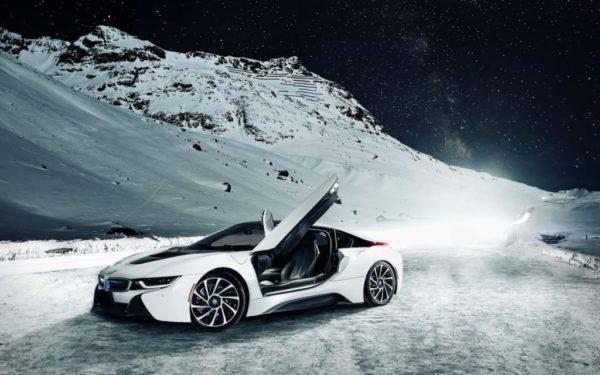 Une voiture hybride rechargeable