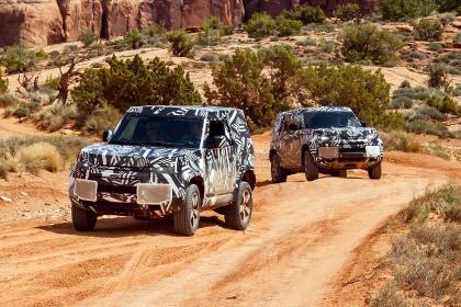 Nouveau Land Rover Defender 2020 en essais dans le désert